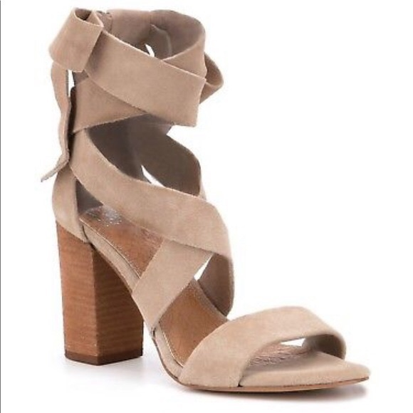 Nwot Gianni Bini Suede Ankle Tie Block